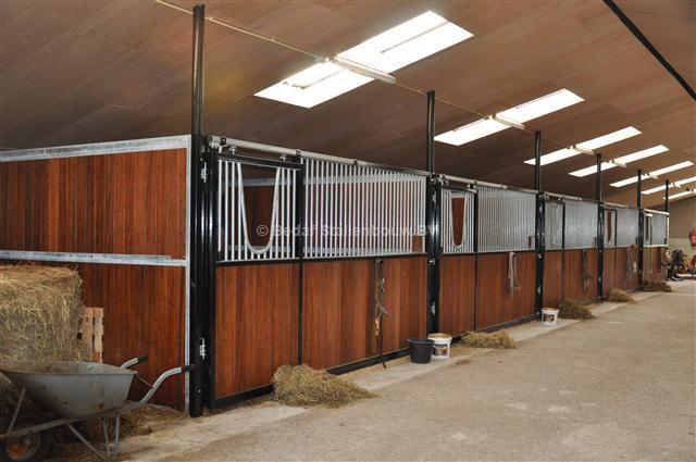 Luxe Paardenstallen Bedaf Stallenbouw Bv