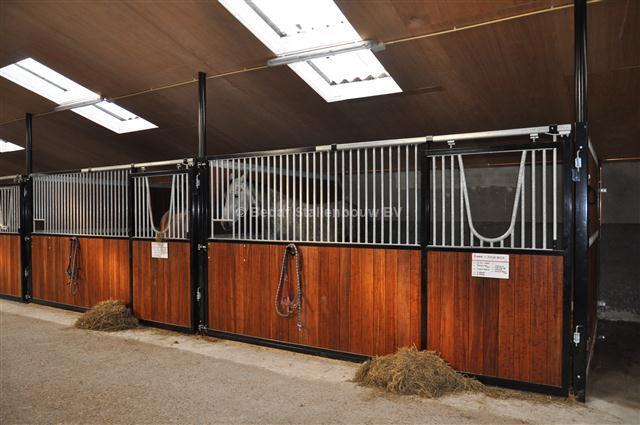 Verbazingwekkend luxe paardenstallen - BEDAF Stallenbouw BV DW-73